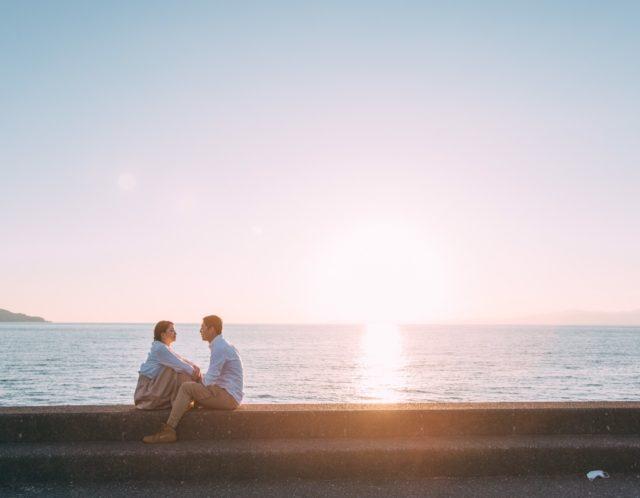夕陽をバックにカップルの撮影📷